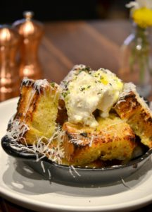 White Truffle Garlic Bread