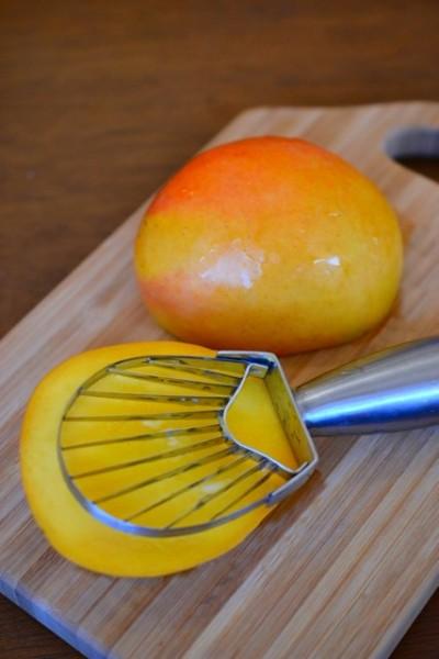 mango slicing
