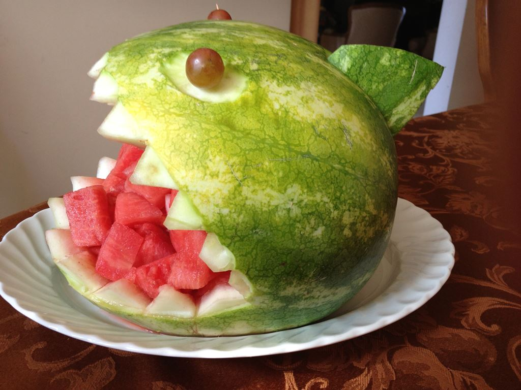 Watermelon carving jolly tomato